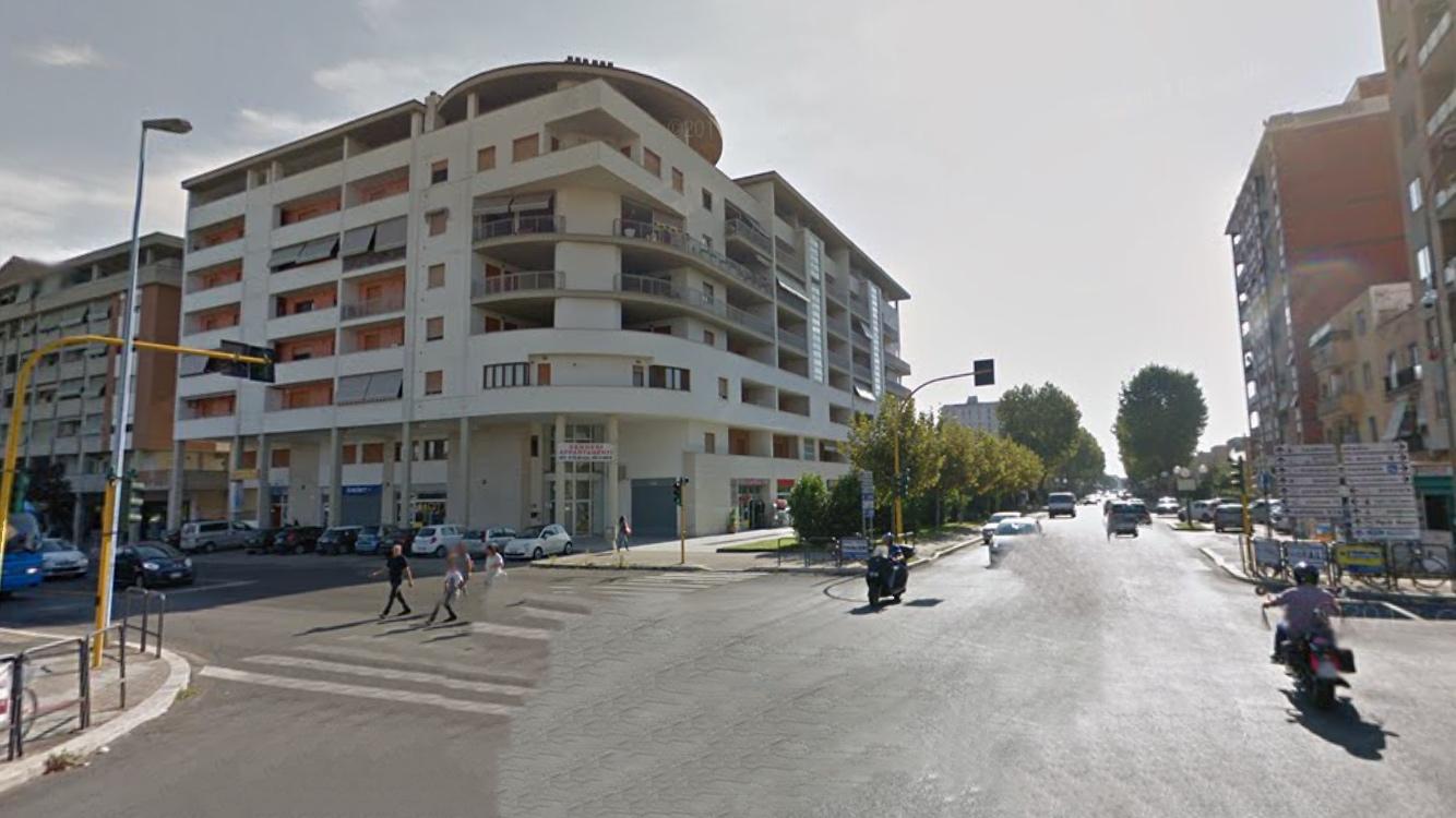 Affittiamo Appartamento Via Giulio Cesare